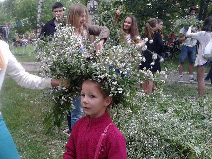 """На свято """"Івана Купала"""" вінничани ліпили вареники у парку (ФОТО) - фото 7"""