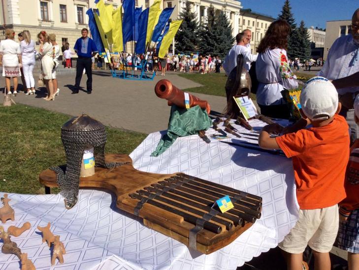 Хмельничани можуть взяти участь у святкових майстер-класах на Майдані незалежності - фото 1