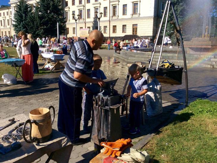 Хмельничани можуть взяти участь у святкових майстер-класах на Майдані незалежності - фото 8