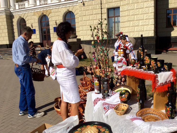 Хмельничани можуть взяти участь у святкових майстер-класах на Майдані незалежності - фото 9