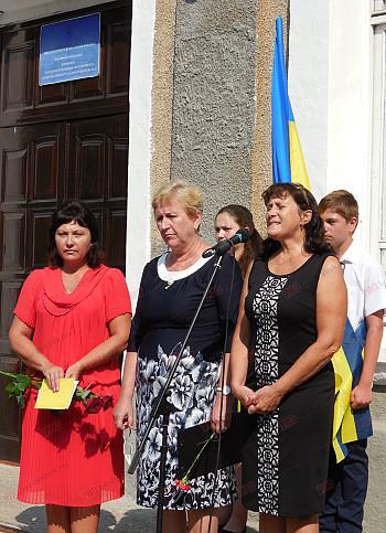 У Бердянській школі відкрили меморіальні дошки випускникам, які загинули в зоні АТО - фото 2