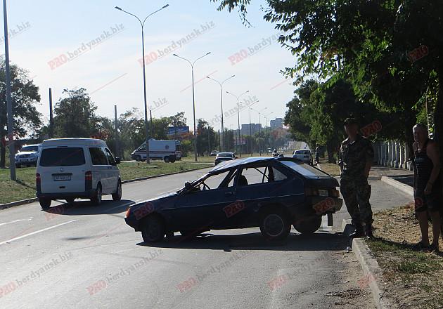 У Бердянську сталася ДТП за участю військових - фото 3