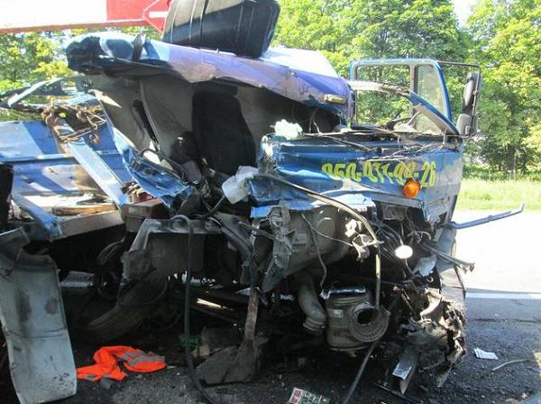 Смертельна аварія під Харковом: опубліковані фото  - фото 1