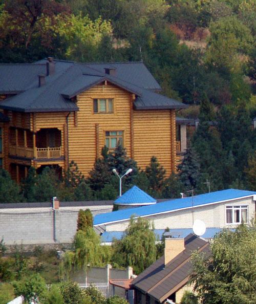 Якими хатинками володіють колишні президенти України - фото 8