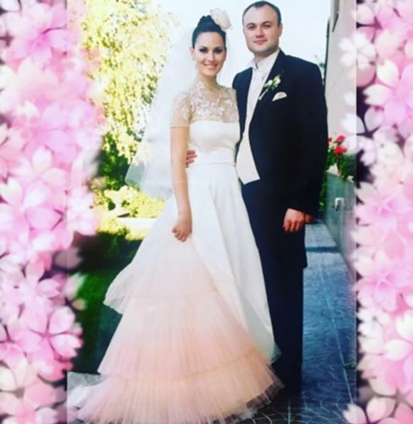Єфросиніна нарешті показала весільне фото - фото 1