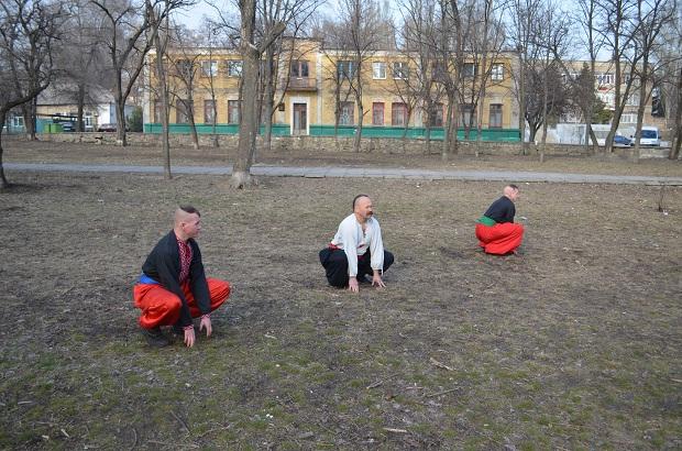 Топ-10 вправ справжньої січової зарядки від головного козака України Олександра Притули - фото 22