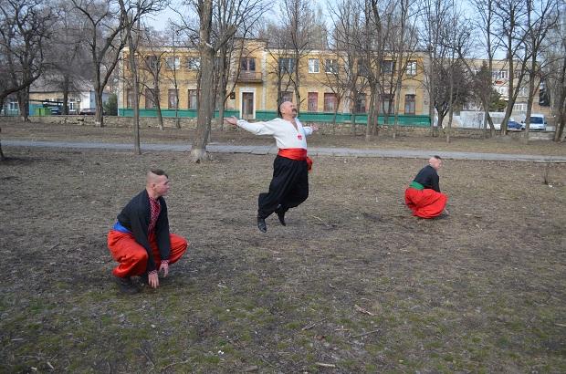 Топ-10 вправ справжньої січової зарядки від головного козака України Олександра Притули - фото 24