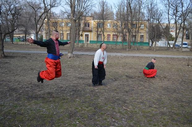 Топ-10 вправ справжньої січової зарядки від головного козака України Олександра Притули - фото 25