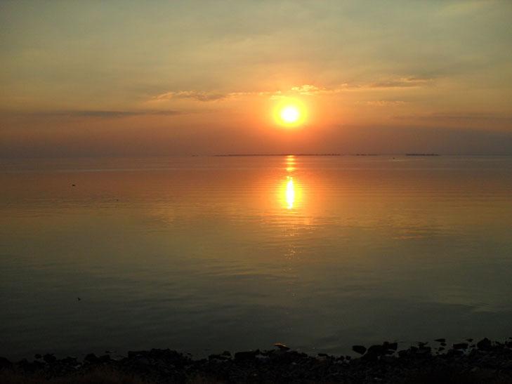 Мешканців Мелітополя вразив дивовижних захід сонця - фото 3