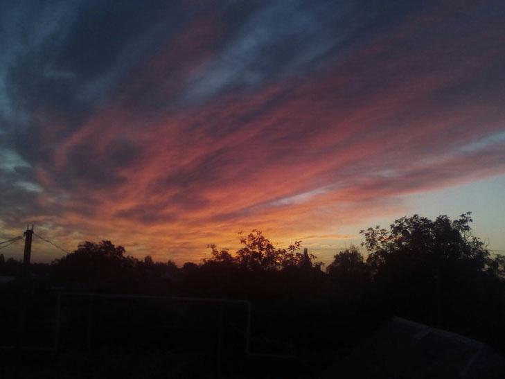 Мешканців Мелітополя вразив дивовижних захід сонця - фото 5