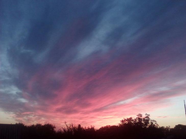 Мешканців Мелітополя вразив дивовижних захід сонця - фото 7