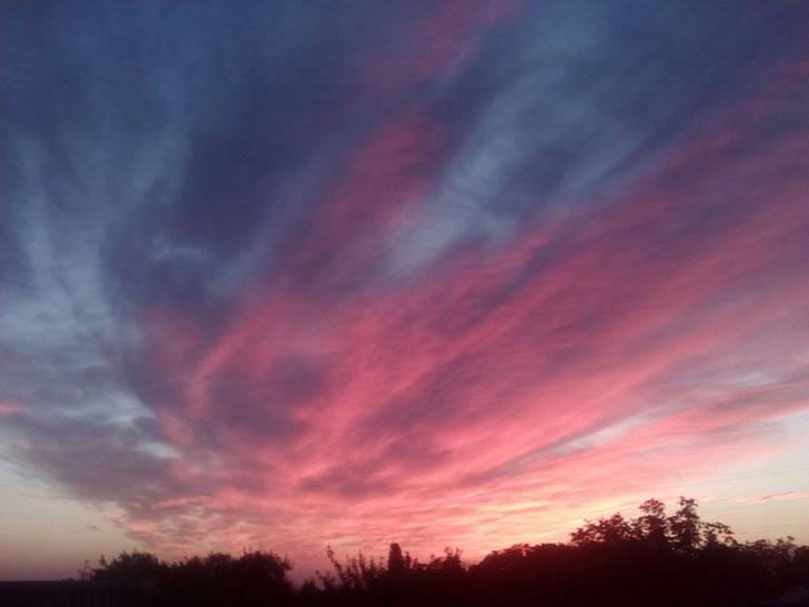 Мешканців Мелітополя вразив дивовижних захід сонця - фото 8