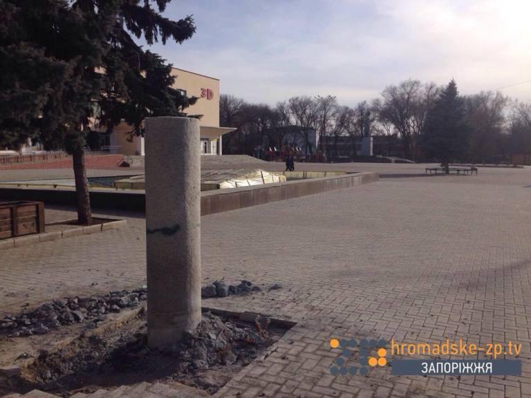 У Запорізькій області демонтували пам'ятник Шевченку (ФОТО) - фото 4