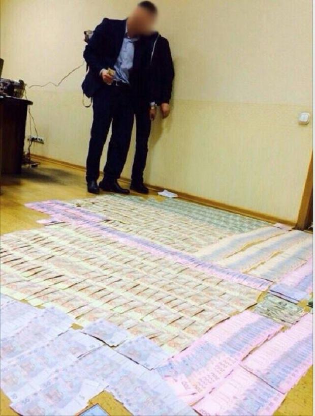 У МОН показали, скільки грошей привезла до них бердянська ректорка - фото 2
