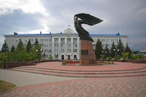 У місті Бердянськ громадські активісти вимагають демонтажу двох пам'ятників - фото 1