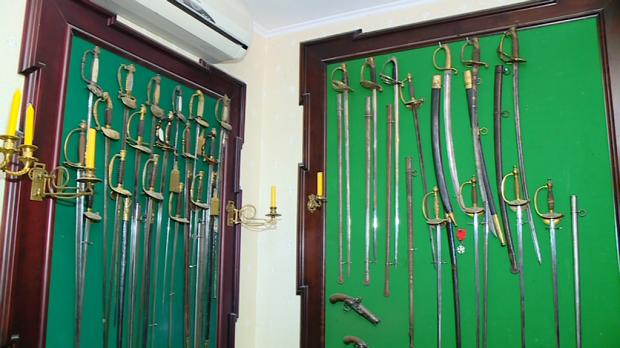 Деякі вилучені у запорізького колекціонера раритети знайшлися в Януковича та Пшонки - фото 4
