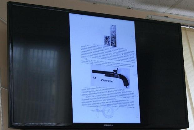 Деякі вилучені у запорізького колекціонера раритети знайшлися в Януковича та Пшонки - фото 3