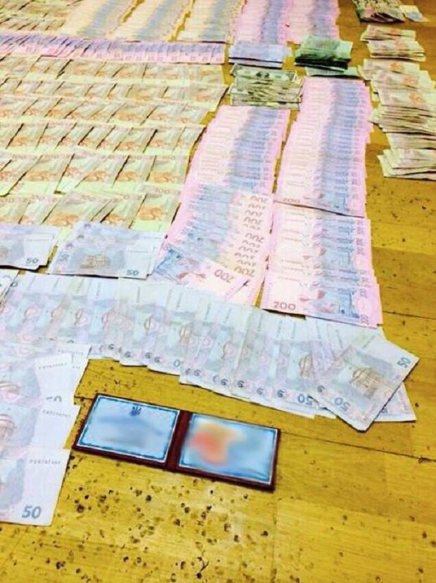 У МОН показали, скільки грошей привезла до них бердянська ректорка - фото 1