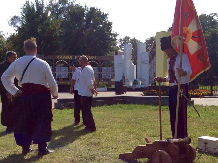 Народні Герої України вклонилися полеглим бійцям з Хмельниччини - фото 2