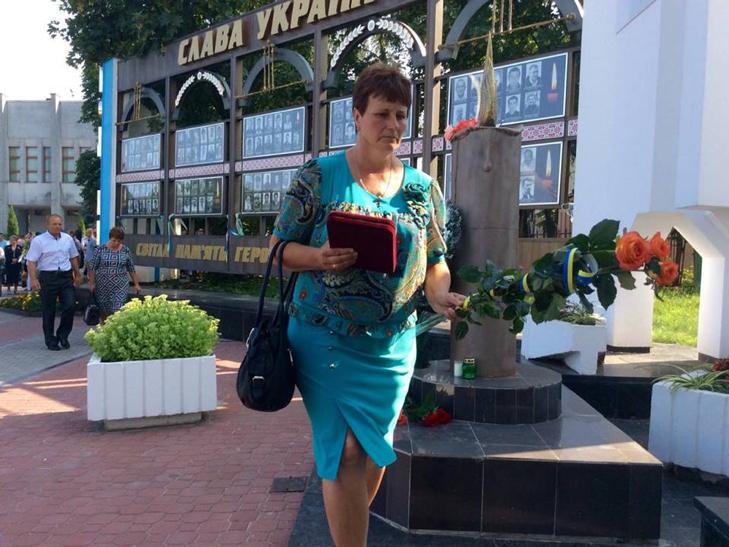 Народні Герої України вклонилися полеглим бійцям з Хмельниччини - фото 11