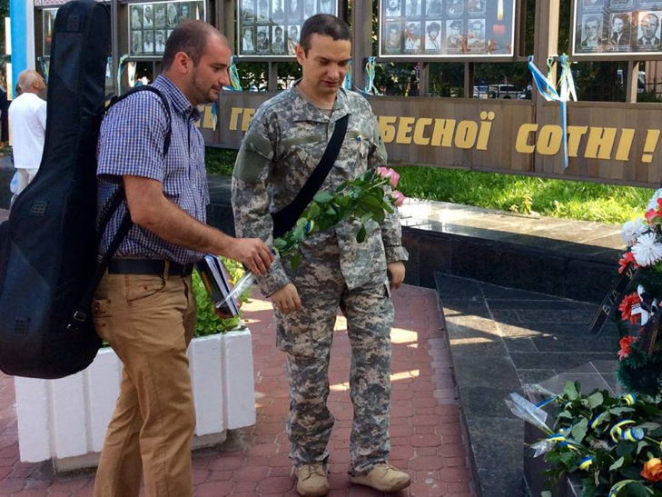 Народні Герої України вклонилися полеглим бійцям з Хмельниччини - фото 16