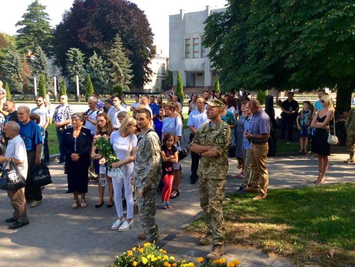 Народні Герої України вклонилися полеглим бійцям з Хмельниччини - фото 5