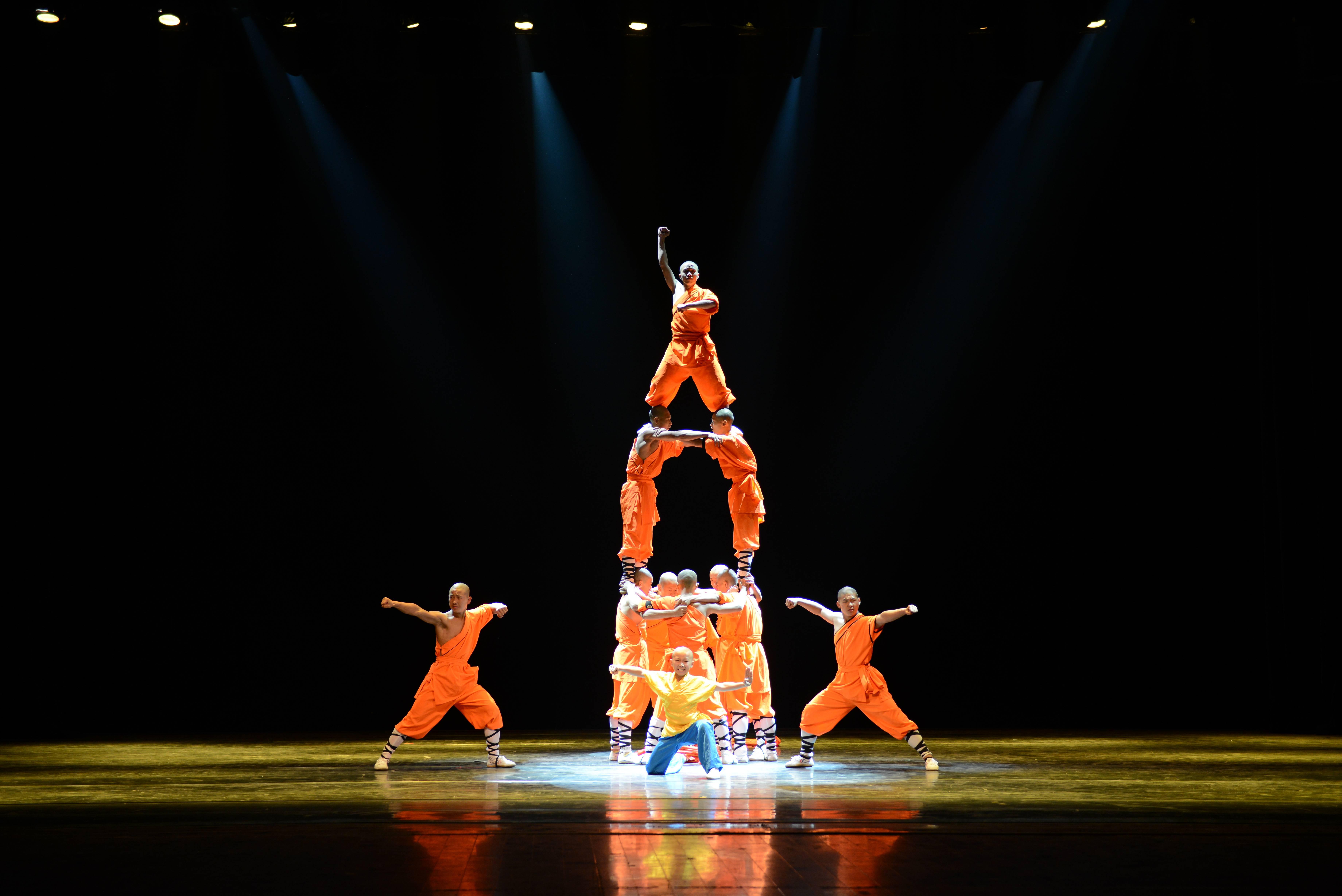 До Києва та Львова їде неймовірне шоу літаючих шаолінських монахів - фото 1