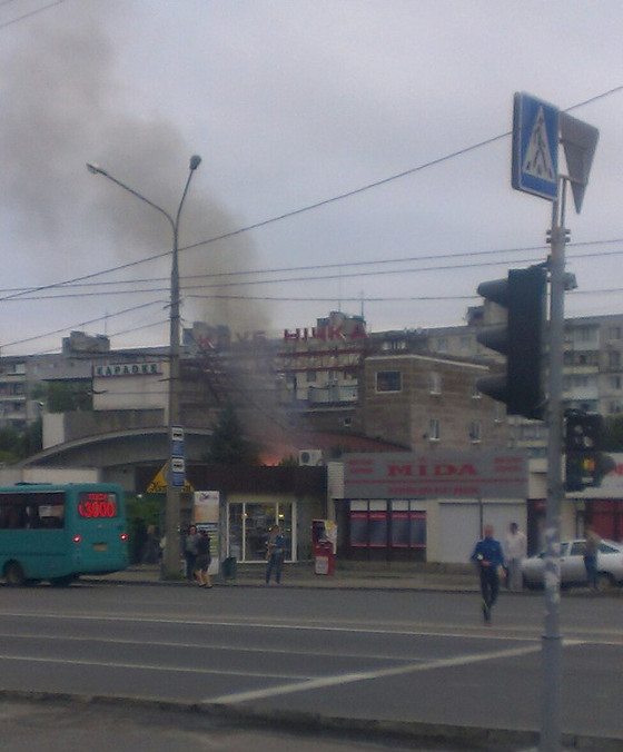 У Харкові під ранок спалахнув нічний клуб  - фото 3
