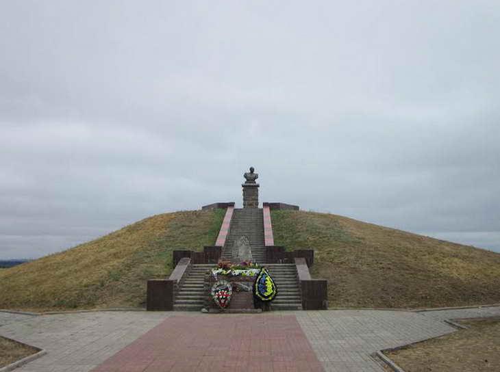 На Могилі Івана Сірка козаки закликали до єднання та не виключали, що центром об'єднання українського козацтва стане саме Запоріжжя - фото 13