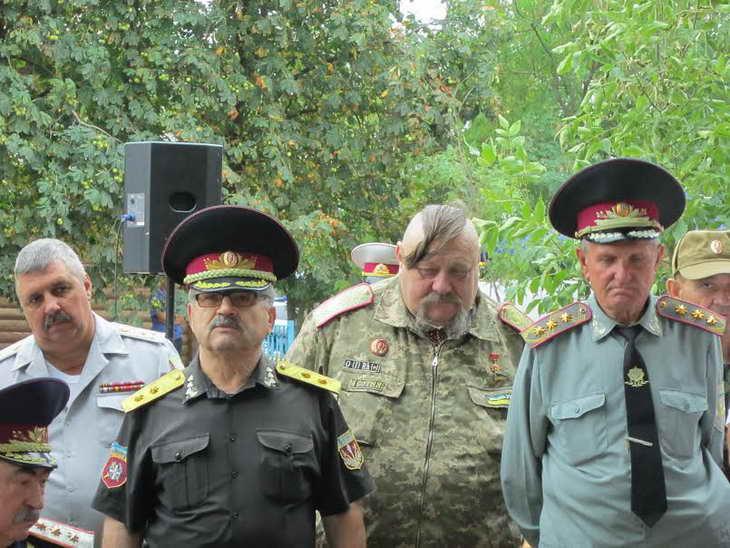 На Могилі Івана Сірка козаки закликали до єднання та не виключали, що центром об'єднання українського козацтва стане саме Запоріжжя - фото 5