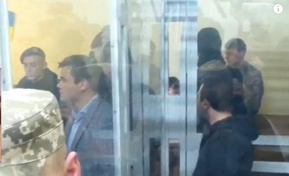 "Корбана посадили в ""акваріум"" - фото 1"
