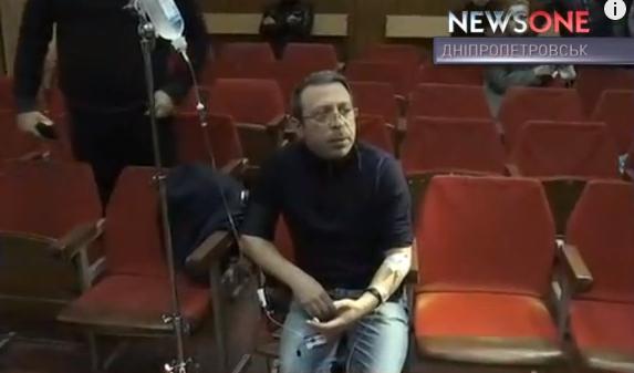 """Корбану під час суду стало зле. Викликали """"швидку"""" - фото 2"""