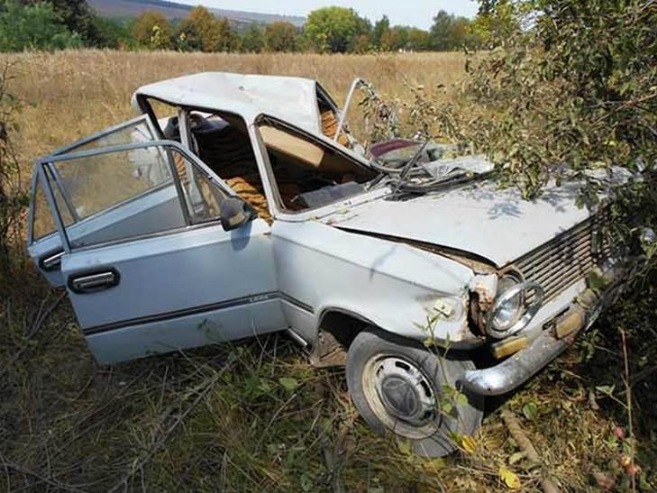 На Вінниччині водій легковика розбився насмерть - фото 3
