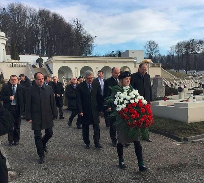 Антиукраїнський політик залишив своє серце у Львові - фото 2
