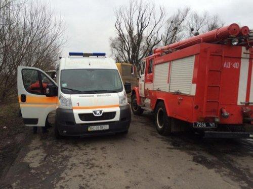 На Львівщині зіткнулися два автобуси: постраждали понад 20 людей - фото 2