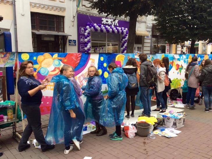 Хмельницька центральна вулиця перетворилася в святковий ярмарок - фото 7