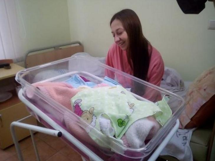 """У Хмельницькому сьогодні народилося 11 діток і всі у """"сорочках"""" - фото 1"""