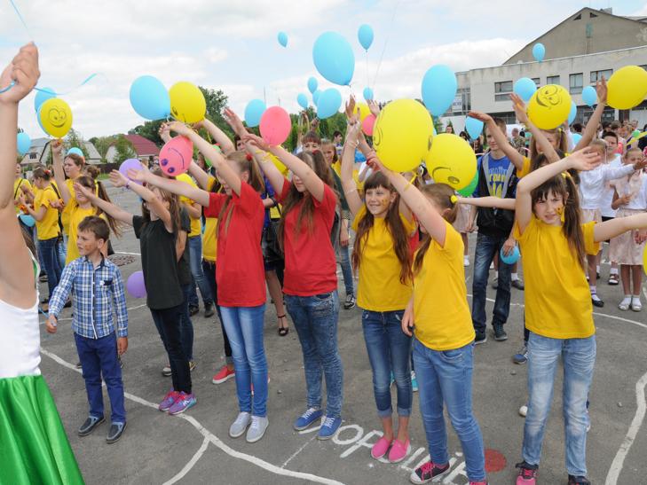 Цілий тиждень дітвора Білогірщини святкувала початок канікул - фото 3