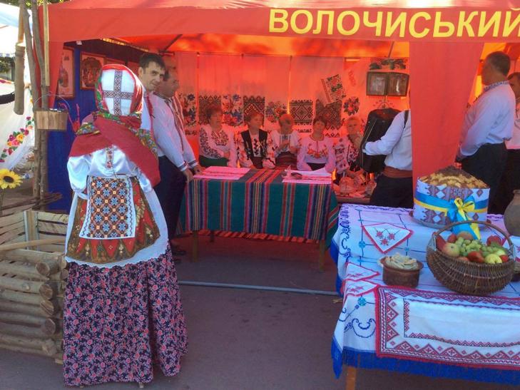 Головний майдан Хмельниччини готовий до святкувань - фото 4