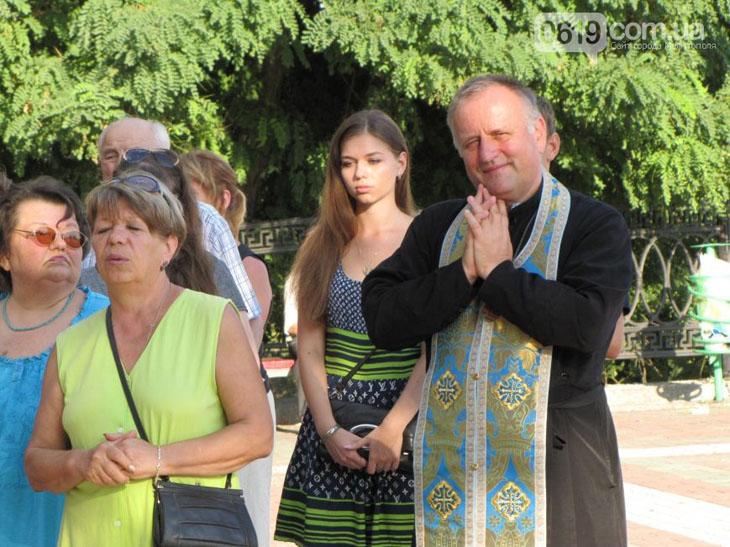 У Мелітополі на площі усі охочі молилися за мир в Україні - фото 2