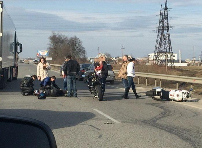На Львівщині мотоцикліст не впорався з керуванням  - фото 1