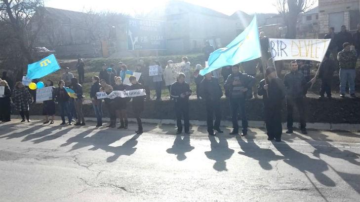 Хроніки окупації Криму: як керченські морпіхи з окупантами у футбол грали - фото 11