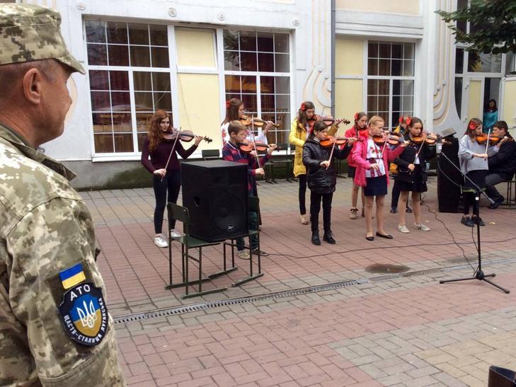 Хмельницька центральна вулиця перетворилася в святковий ярмарок - фото 11