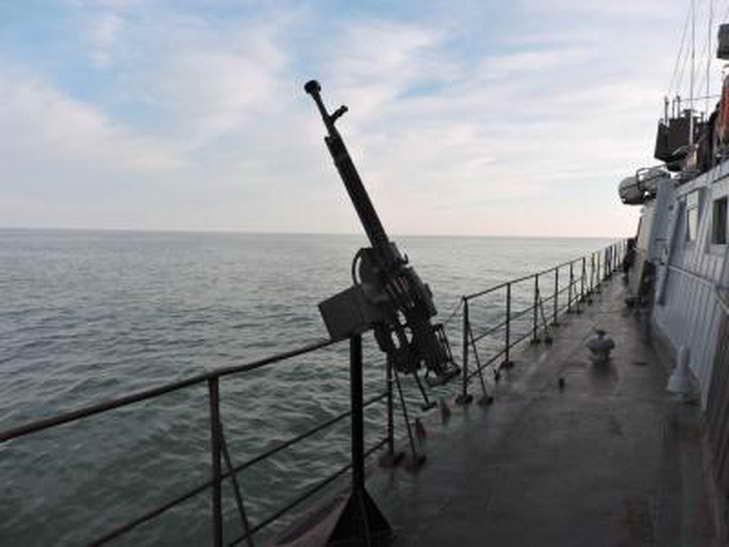Персонал екіпажів катерів морської охорони відпрацював стрільбу з озброєння, що розташоване на катерах - фото 3