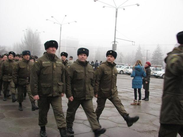 Молоде поповнення військової частини 3033 Нацгвардії України вийшло на патрулювання вулиць обласного центру - фото 6