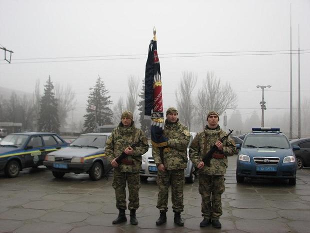 Молоде поповнення військової частини 3033 Нацгвардії України вийшло на патрулювання вулиць обласного центру - фото 2