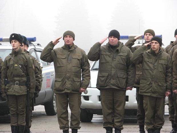 Молоде поповнення військової частини 3033 Нацгвардії України вийшло на патрулювання вулиць обласного центру - фото 4