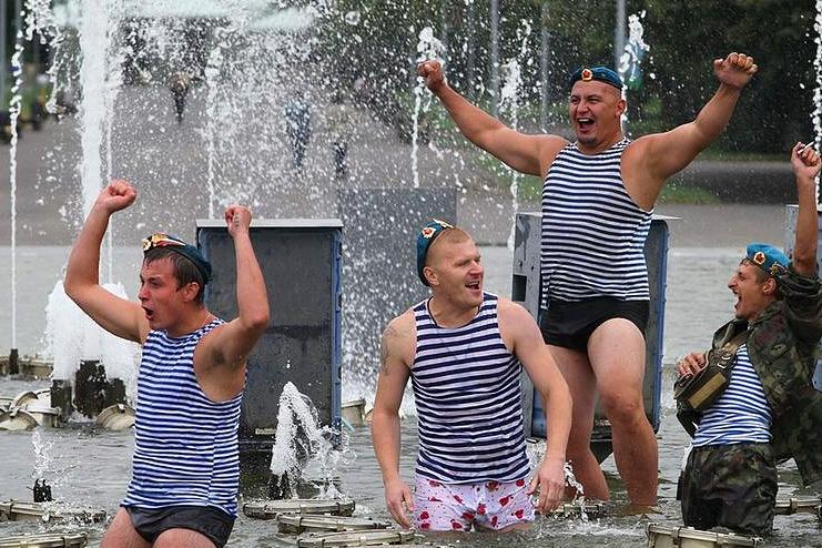 День ВДВ: чим російські десантники невигідно відрізняються від українських  - фото 3