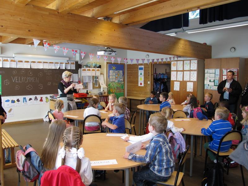 День знань: у всьому світі свято для дітей, а в нас – як на Росії - фото 8