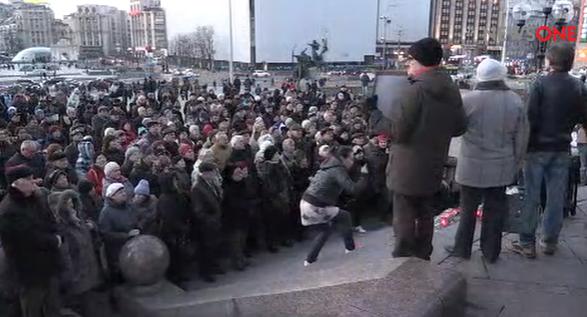 На столичному Майдані почалась акція пам`яті Нємцова - фото 2